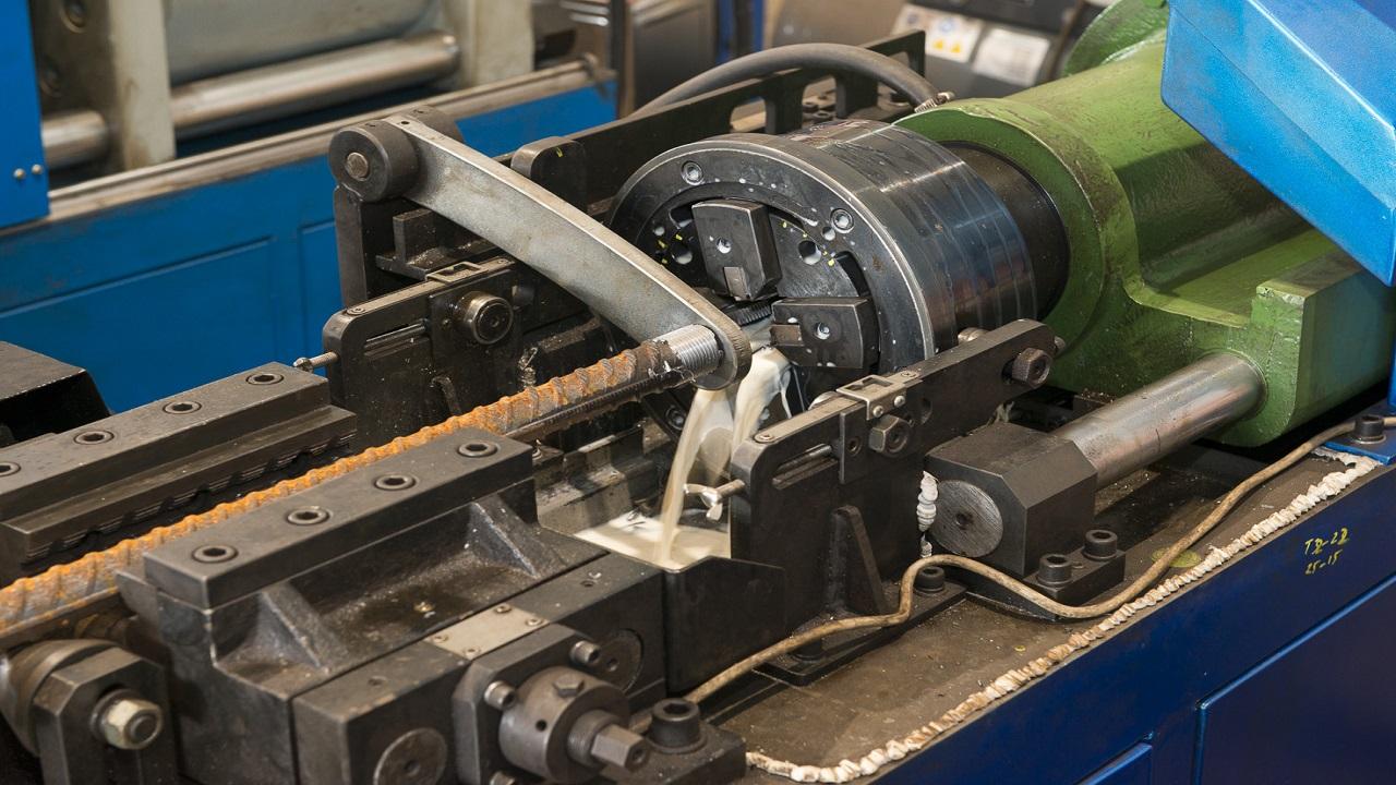 Threading Machine